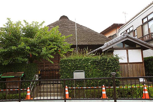 こちらは大塚家住宅。茅葺きの家が浦安で見られるとはね。