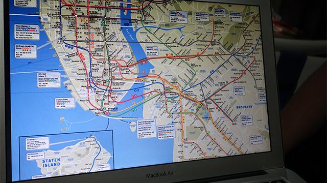 興奮気味に見せてくれたニューヨークの路線図