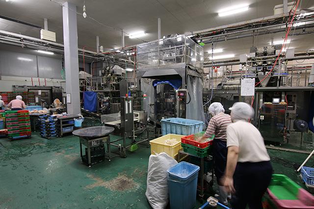 こんな感じ。どう見ても工場だ。