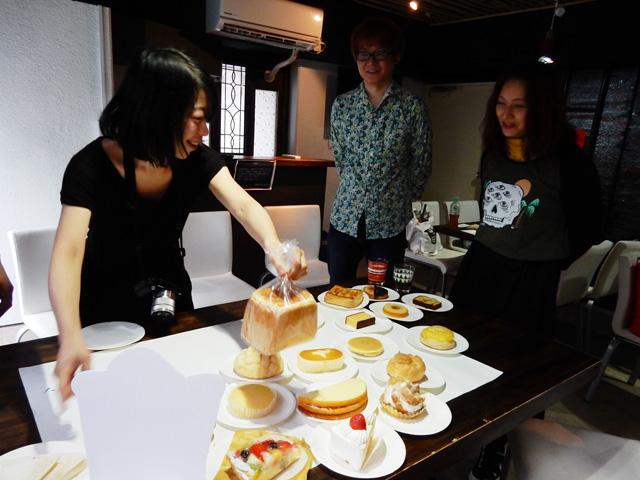 古賀さんの中で食パンは、全てを見通せる位置に立体的に位置しているらしい。食パンはまだ材料で、フルーツサンドやハニトーになる可能性を秘めているからである。