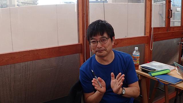 審査委員長の鹿毛康司さん