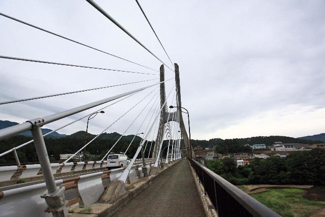 工事を見据えて立派な橋に架け替えられた