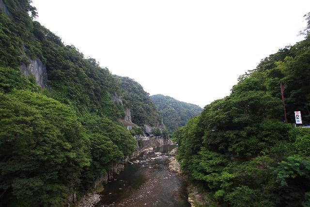 沼田ダム予定地(下流から上流を見る)
