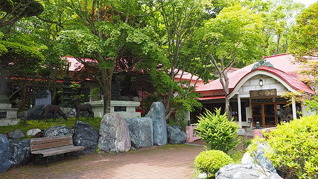 地元の人たちにまずはここへ行け、といわれた東家総本店「竹老園」。釧路の緑蕎麦はここから始まったという。