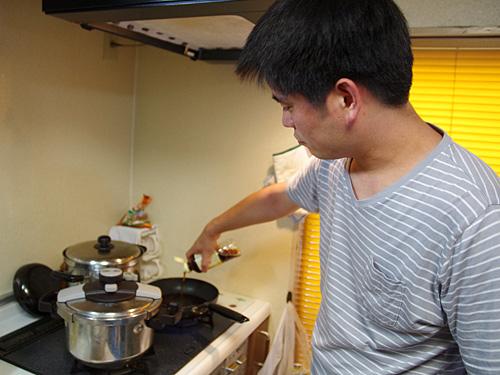 薄口醤油をベースに、糖分と塩分と旨味をドカドカと追加。