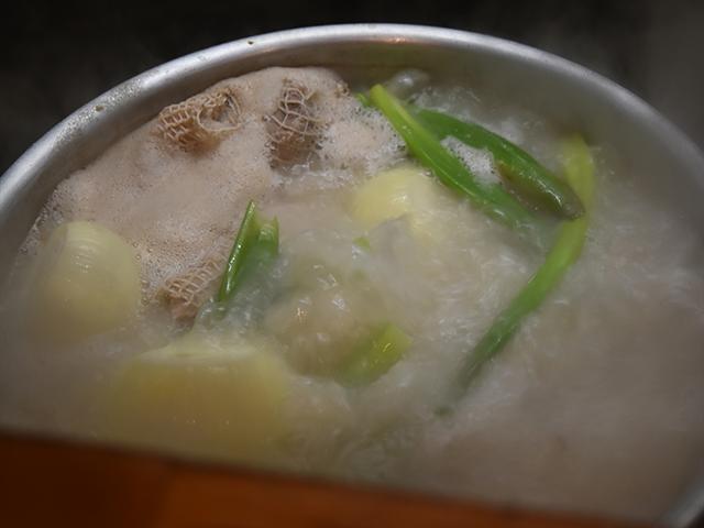 スープは画像の通りいろいろ入っています