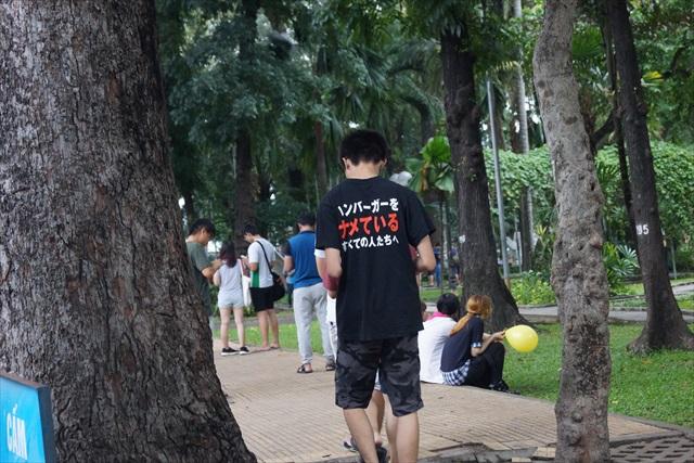 ベトナムにはちょくちょくクォーターパウンダー(マクドナルドの商品)のTシャツを着ている人がいる。