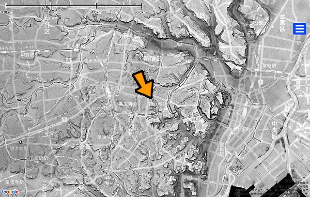 さらに引いて見るとこんな。赤坂川は溜池に通じていたことが分かる(これも同じく国土地理院「基盤地図情報数値標高モデル」5mメッシュをカシミール3D スーパー地形セットで表示したものをキャプチャ・加筆加工)。