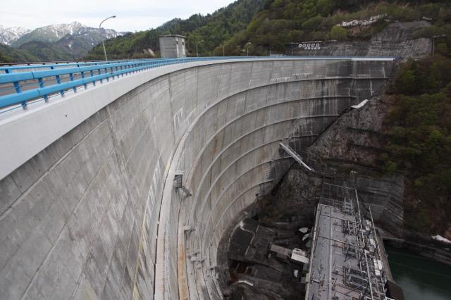 現在の東京最大の水がめ、矢木沢ダム