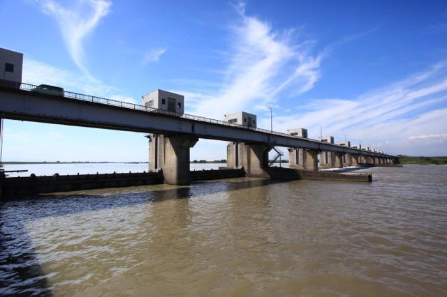 利根川からいろいろな水を引くための利根大堰