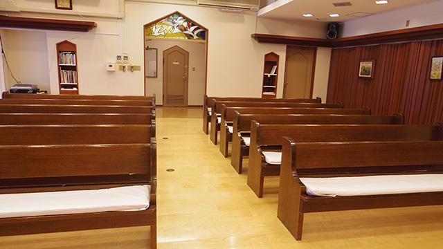 礼拝堂にて