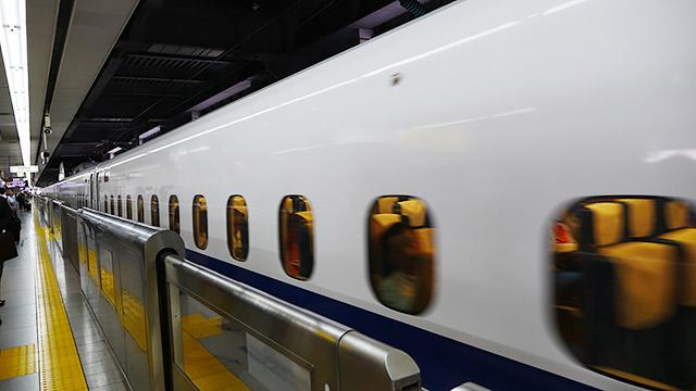 ということで、新幹線に乗って、