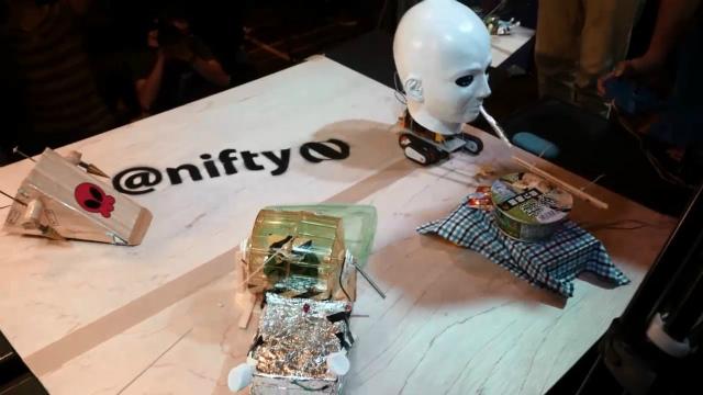 上のロボット名は左上から時計回りです。