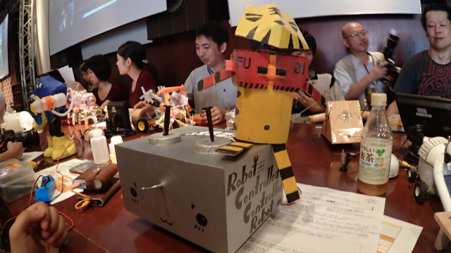 Robot Controlled Controllor Robot(香港:Ricky Chan)