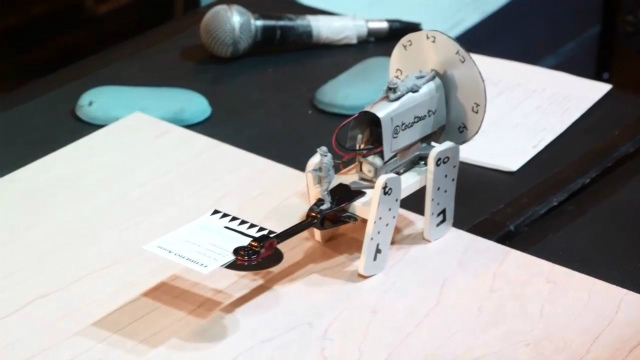 toco toco bot(フランス:Anne Ferrero)