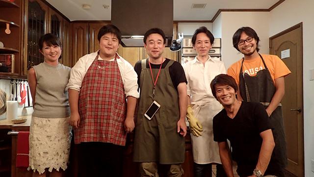 左から、営業橋本、ライター江ノ島、ライター松本、鎌田さん、編集部安藤、ライター地主。