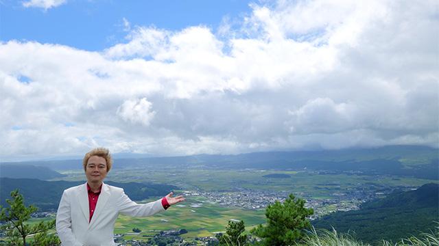 阿蘇の大観峰からカルデラを望む