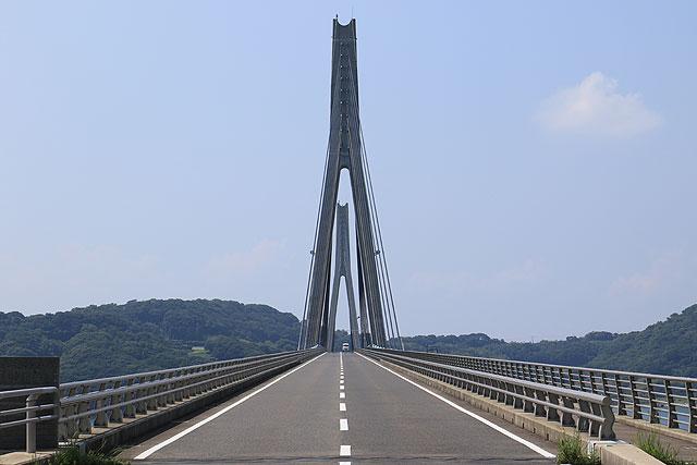 橋を渡る時って写真撮りたくなるよね。
