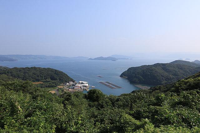 かつて元の大軍が押し寄せたという湾。ここで台風に遭い、多くの軍船が沈んだという。