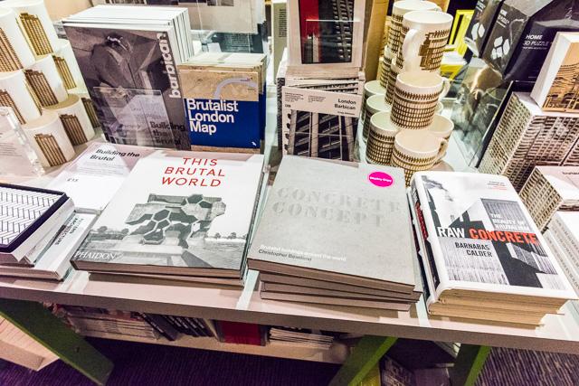 ミュージアムショップを覗いたら、コンクリートをテーマにした書籍が並んでて感動した。