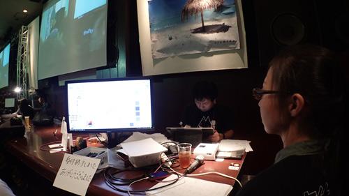 北村さんは時間内に描くのが間に合わない分も持ち帰り(描け次第メールで送るという…!)で請け負ってくれた。「神対応」という言葉がこのイベント内で発生するとは。