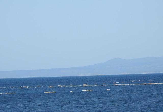 そう、野付半島の16km向こうには北方領土の国後島があるのだ。