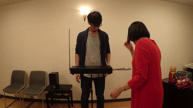 楽器の前に立つとなぜか緊張する。