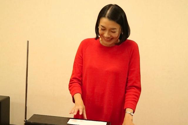 さすがに佐藤先生も長渕剛は弾いたことがなかったらしい。弾いたあとに笑っていた。