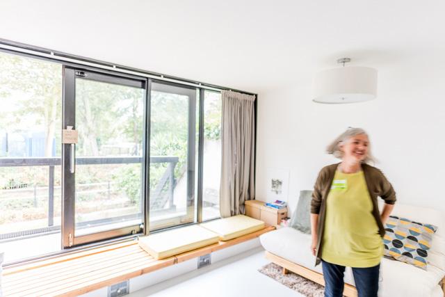 こちらがこの部屋にお住まいの奥さま。建築家だそう。ご本人による解説が楽しかった。ここも自分でリノベしたのだとか。どうりですてき!