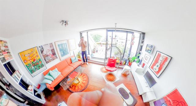 オレンジがテーマカラーみたいですね。吊ってある椅子とかすごくいい。全天球画像は→こちら