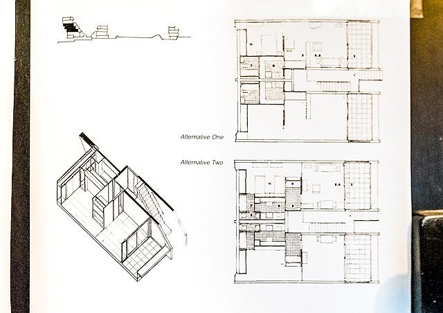 部屋に貼ってあった平面図。ここは先ほどの家より小さくて、ひとり暮らしとのことだった。