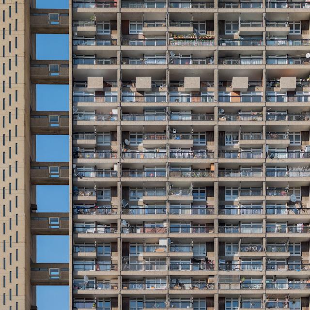 Barbican と並ぶロンドンのブルータリズム建築の名作。設計・エルノ・ゴールドフィンガー。1972年竣工、高さ98メートル。
