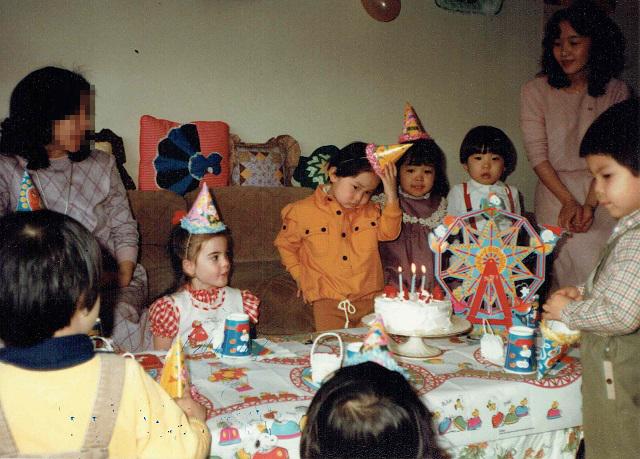 誕生日パーティーでかっこつける兄