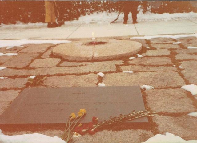 アーリントン国立墓地。ジョン・F・ケネディの墓