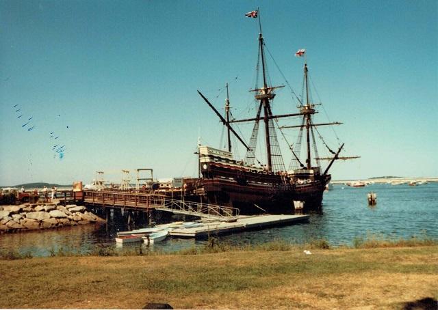 1982年夏、ニューポートのでかい船