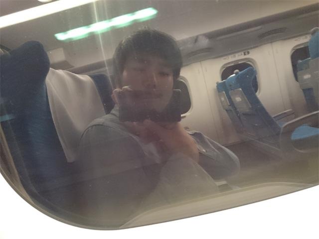 新幹線の車窓で