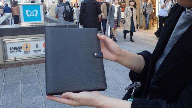 デジタル化が進んだ昨今でも、できる人が持っていそうとつい思ってしまう系・ぶ厚い手帳風