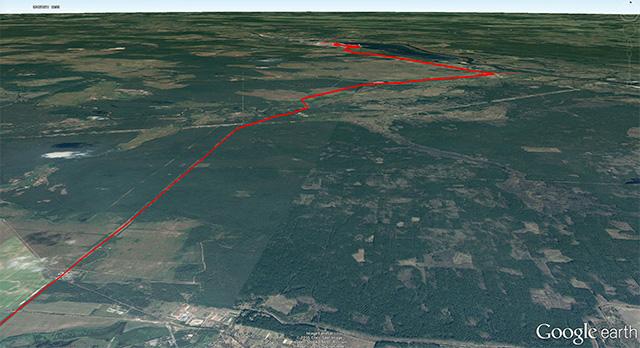 キエフからチェルノブイリまでの道中のGPSログ。この周辺の平らさといったらどうだ!(Google earthに表示したものをキャプチャ)