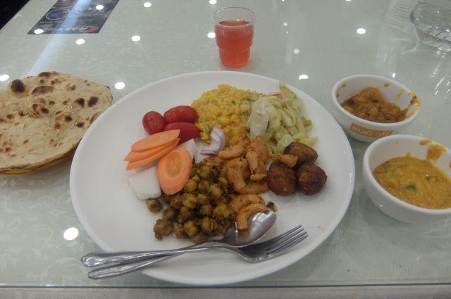 約1000円でインドを食べる!