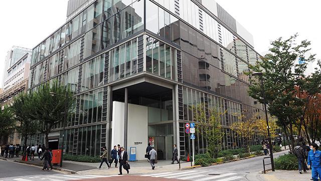 エントリーNO.3、日本大学理工学部。紅葉がきれいな通りにあった。