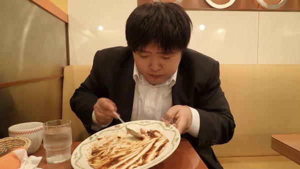 ドキドキと食欲が止まらない。オムライスがなくなっていくせつなさも止まらない。