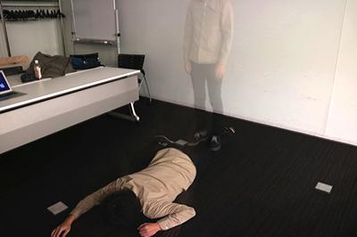全力でチョップしすぎて、最終的に藤原さんを幽体離脱させてしまった。