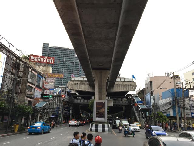 タイ バンコク トンロー(Thong Lo)駅 (出題:西村)