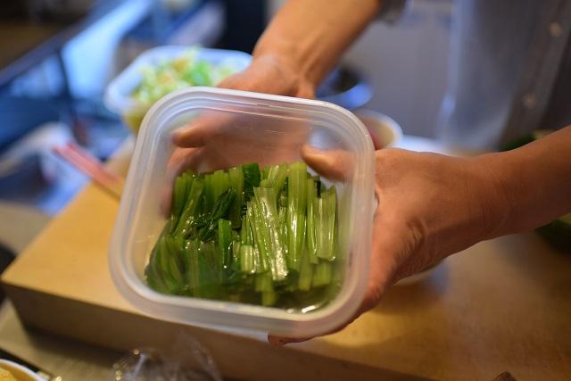 小松菜のおひたし。3日経ってもこの色ツヤ