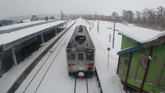 トナカイ牧場の最寄駅「幌延(ほろのべ)」へはこの1両編成の列車で行きます。