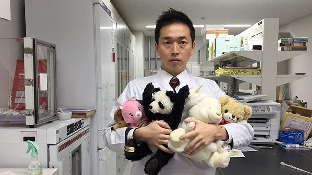 加藤先生(高校教師。こう見えて生物担当)。