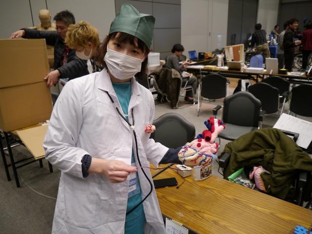 さくらいさんは外科医の格好だった。術後でしょうか。