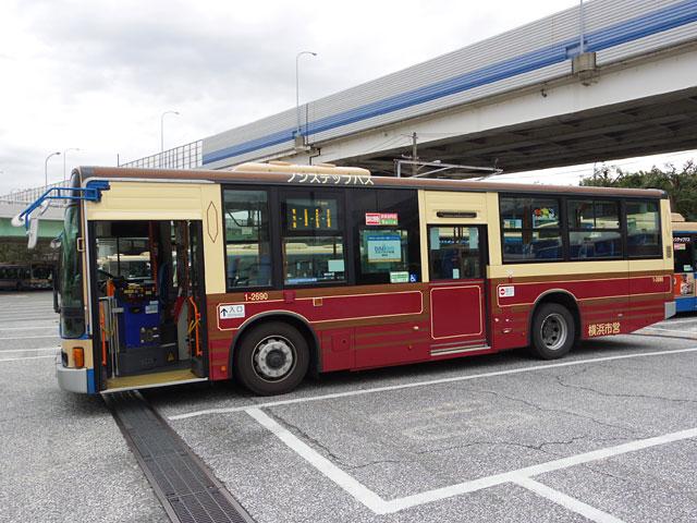 こちらがあかいくつバスもどき