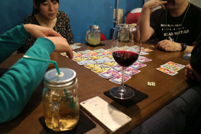 ゲームが終わってからも、「あの場面は〇〇だった」「あそこでこのカードを出していれば!」など振り返って盛り上がっていた。