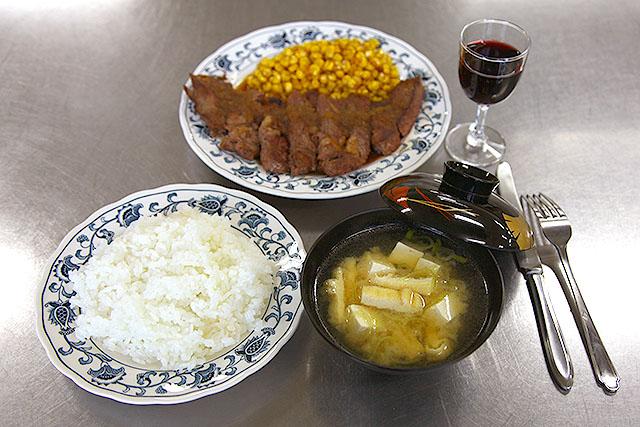 安藤さん作、手間をかけずに作った料理。